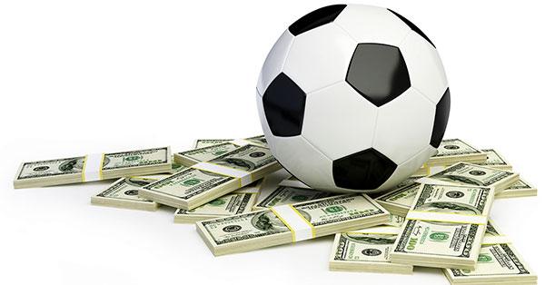 IDN Sports - Keuntungan Bermain Judi Bola